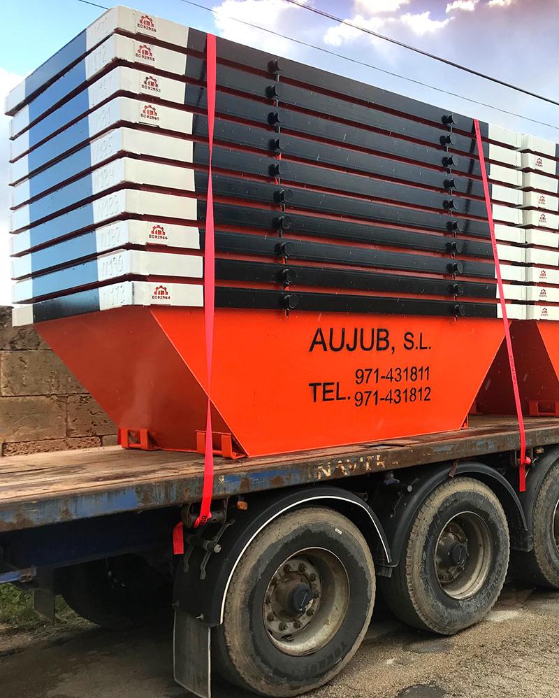 containers sobre camión